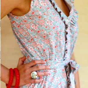 Kayce Hughes Dresses & Skirts - Kayce Hughes Ruffled Floral Dress.