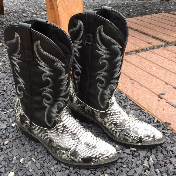 3b7f02855d7 Laredo Snakeskin Print Mens Cowboy Boots Size 9 D