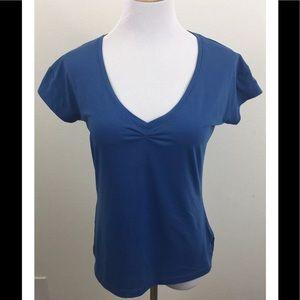 Mountain Hard Wear Tops - Mountain Hardwear Women's V-Neck Shirt Medium