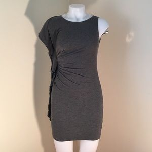 NWOT Sz M Forever 21 Gray dress w/ ruffle on right