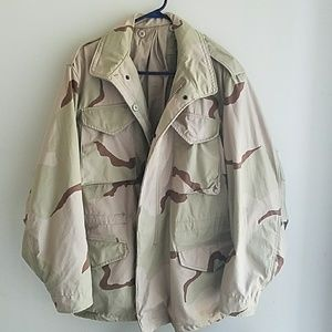 Other - Vintage Cold weather, Desert camo coat