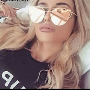 Christian Dior Accessories - Gorgeous sunglasses