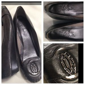 Life Stride Shoes - Life stride gray flash wedge w/pewter medallions