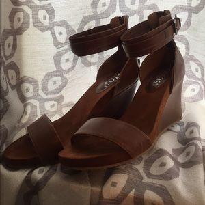totes Shoes - Sz 10m wedge sandals