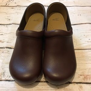 Dansko Shoes - Brown Dansko Professional Clogs Size 36