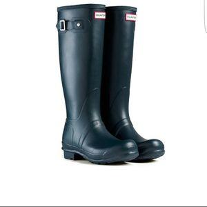 Hunter Boots Shoes - New Hunter original tall rainboots in navy