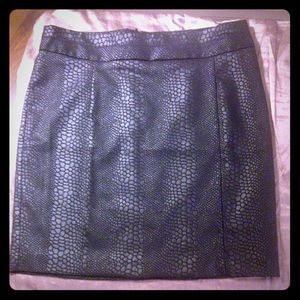 NWT Black snake print mini skirt w/zip in back