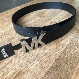 Michael Kors Accessories - NWT Michael Kors black leather belt Medium Ret $58