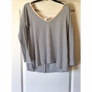 tylie Tops - ✨TYLIE SIZE 5 STRIPED TOP✨