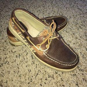 Sperry Bluefish 2-eye Tan/Zebra shoes.