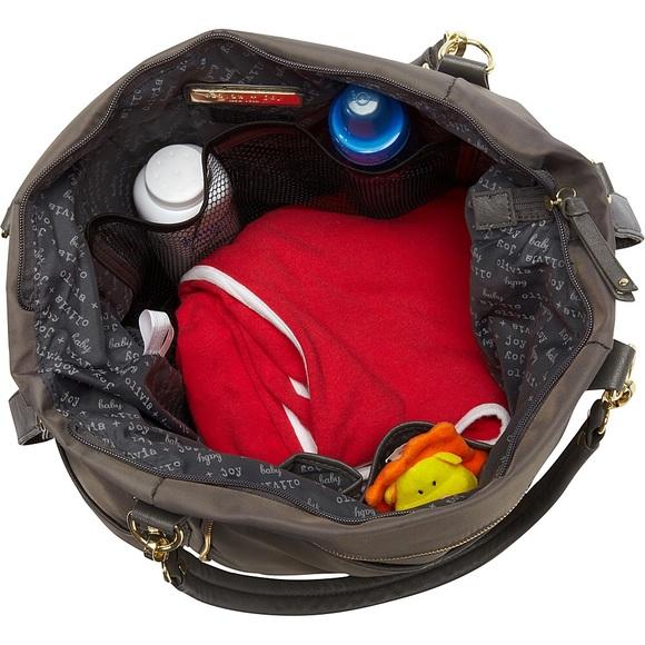 15 off olivia joy handbags olivia joy portia baby bag in graphite from jess 39 s closet on. Black Bedroom Furniture Sets. Home Design Ideas