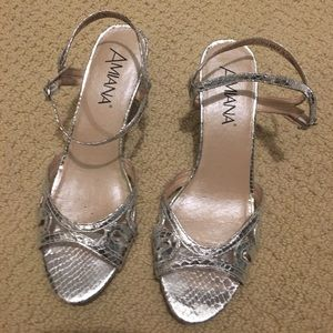 Amiana Shoes - New-- Amiana Silver Heels