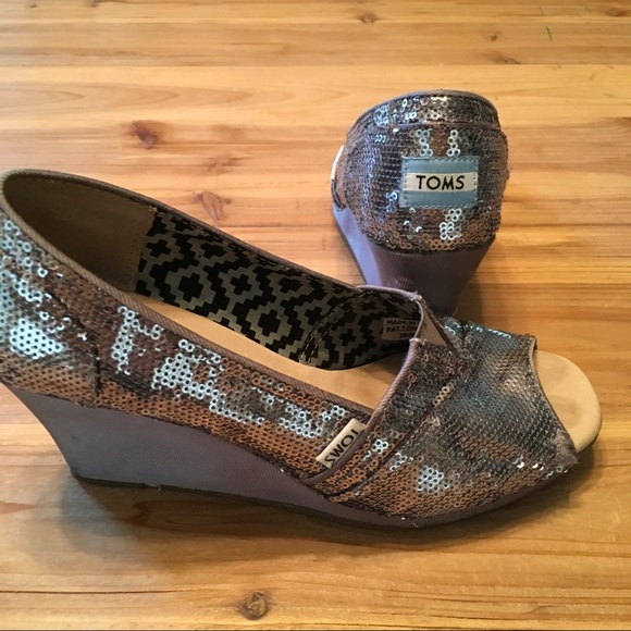 86 toms shoes toms silver sequin wedge heels shoes