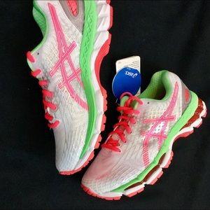 Asics Shoes - NEW ASICS 5.5 Gel Nimba Tri Running Shoes Green