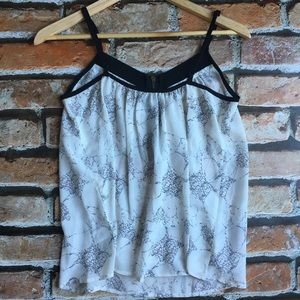 Tops - chic & breezy top size S