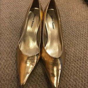 Shoes - Gold kitten heel pumps