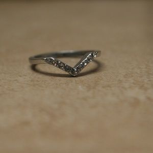 Jewelry - Brand New Silver Midi Knuckle Chevron Pave Ring
