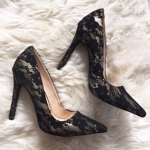 Shoe Dazzle Shoes - Shoedazzle Adelice Black Lace Pointed Toe Pumps