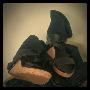 80%20 Shoes - Pre-loved black sandals, minor imperfection pic #7