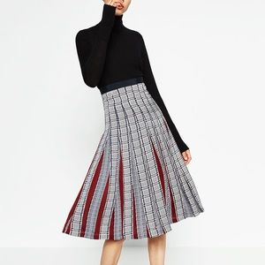 Zara accordion skirt with pleats