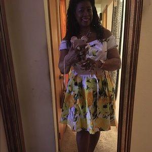 Dresses & Skirts - Yellow flower dress