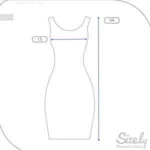 Alice + Olivia Dresses - 🔥🅗🅞🅢🅣 🅟🅘🅒🅚🔥 Alice + Olivia Chevron Dress