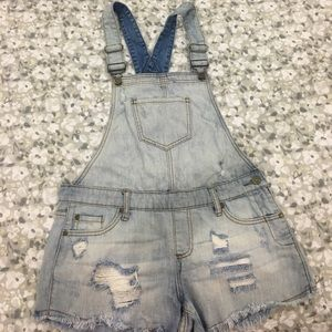 short jeans overalls from Lulu's