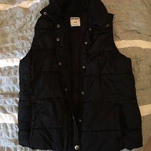 Old Navy Jackets & Blazers - 🚨FLASH SALE!🚨 Black Old Navy Puffer Zip Vest