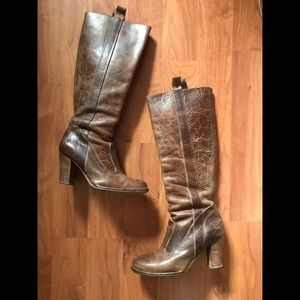 Frye Shoes - Frye Villager Pull-On Distressed Leather Boots