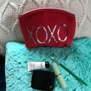 XOXO Handbags - XOXO Sequin Accessory Bag New Never Used No Tags