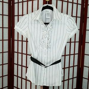 🔴White button down ruffled blouse. Juniors size S