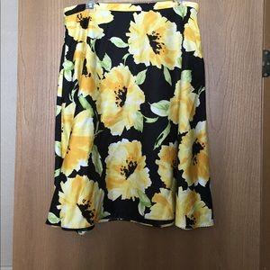 Dresses & Skirts - Swing skirt