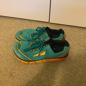 Altra Shoes - Altra Toronto 2.0 size 10 W