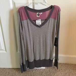 Roxy Tops - Roxy long sleeve shirt