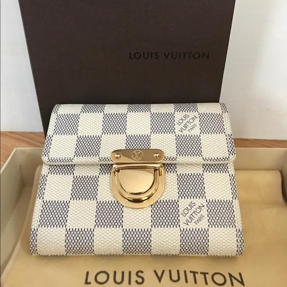 Louis Vuitton Handbags - Authentic Louis Vuitton Koala wallet
