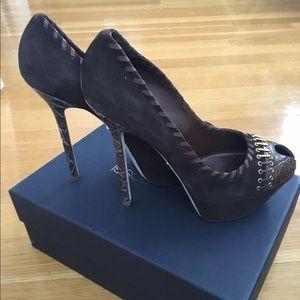 Sergio Rossi Shoes - Sergio Rossi scrape Donna blunt heel. Brown 39.