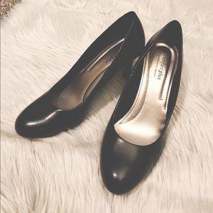 Comfort Plus Black Heels SZ 8