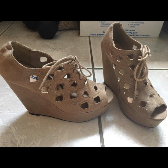 34 soda shoes lace up soda wedges 8 5 from