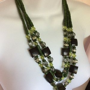 Jewelry - Green & Black Bead Necklace