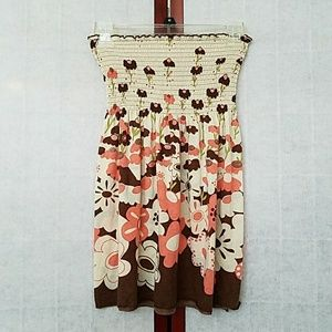 NWOT Pink/brown floral strapless tunic. Size M.