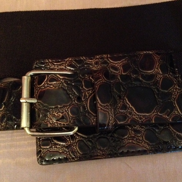 wide brown buckle stretch belt from beverly s
