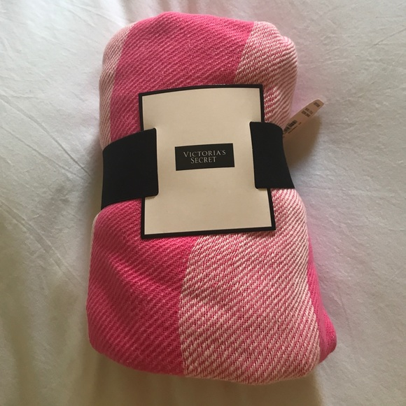 Accessories - Victoria Secret blanket
