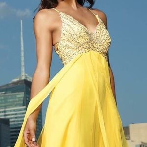 Terani Couture Dresses & Skirts - NWT Terani Couture Gown (Yellow)