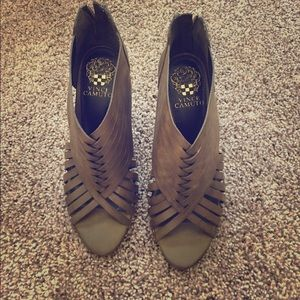 Vince Camuto gladiator wedge