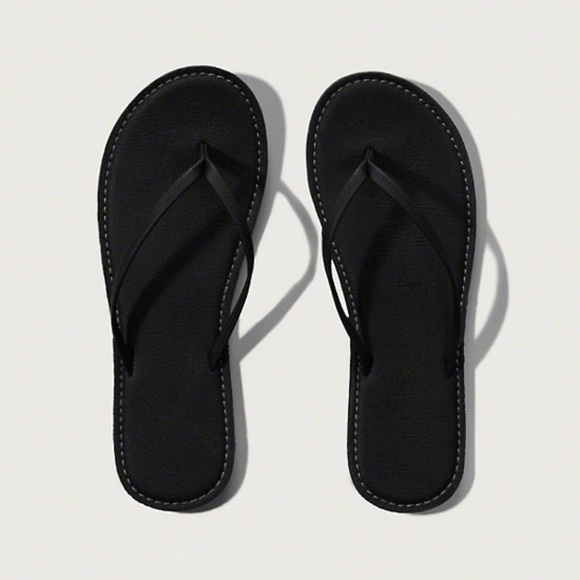 6bf9ae4f00f Abercrombie Fitch Women s Leather Flip Flops