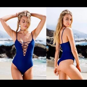 Other - 🐳Criss-Cross One Piece Bathing Suit🐳