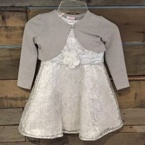 Youngland Other - Youngland 2 Piece silver & white dress. Size 3t
