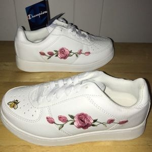 Vans Shoes - Embroidery sneakers