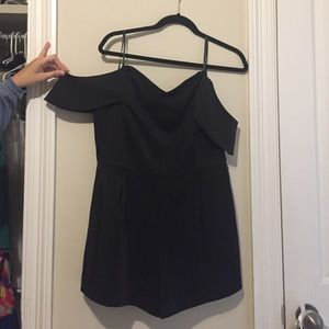Dresses & Skirts - Sleek black romper 💄💋 NWOT