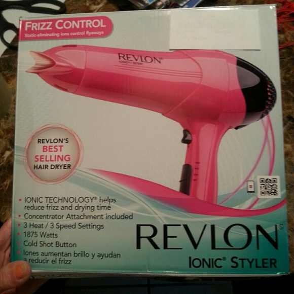 New in box pink revlon Ionic 1875 watt blow dryer NWT